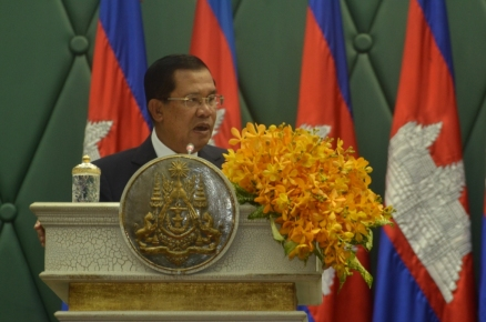Academician HUN SEN-Prime Minister of Cambodia proudly accepts for Cambodia the title of World Best Tourist Destination