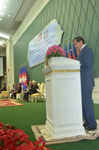 Minister Thank Khon announces Cambodia is World Best Tourist Destination in 2016